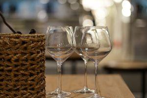 fragile-wine-glasses
